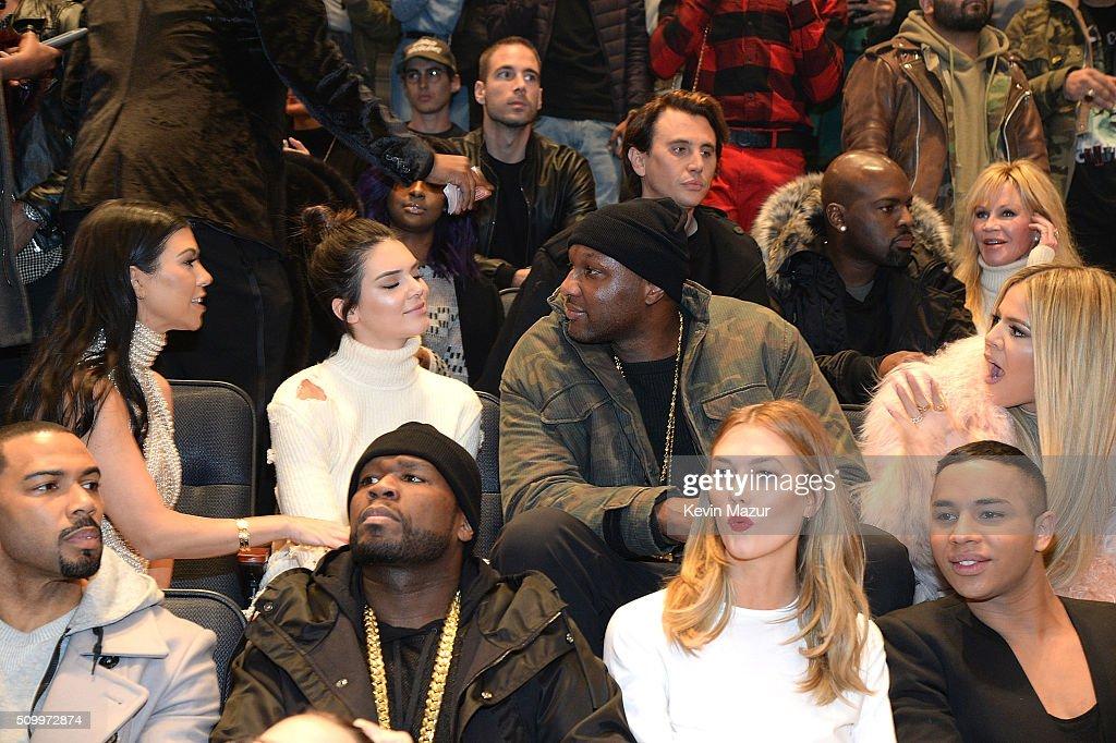 Kanye West Yeezy Season 3 - Front Row : News Photo