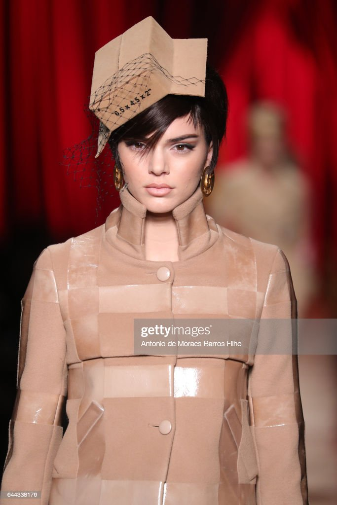 Moschino - Runway - Milan Fashion Week Fall/Winter 2017/18 : News Photo