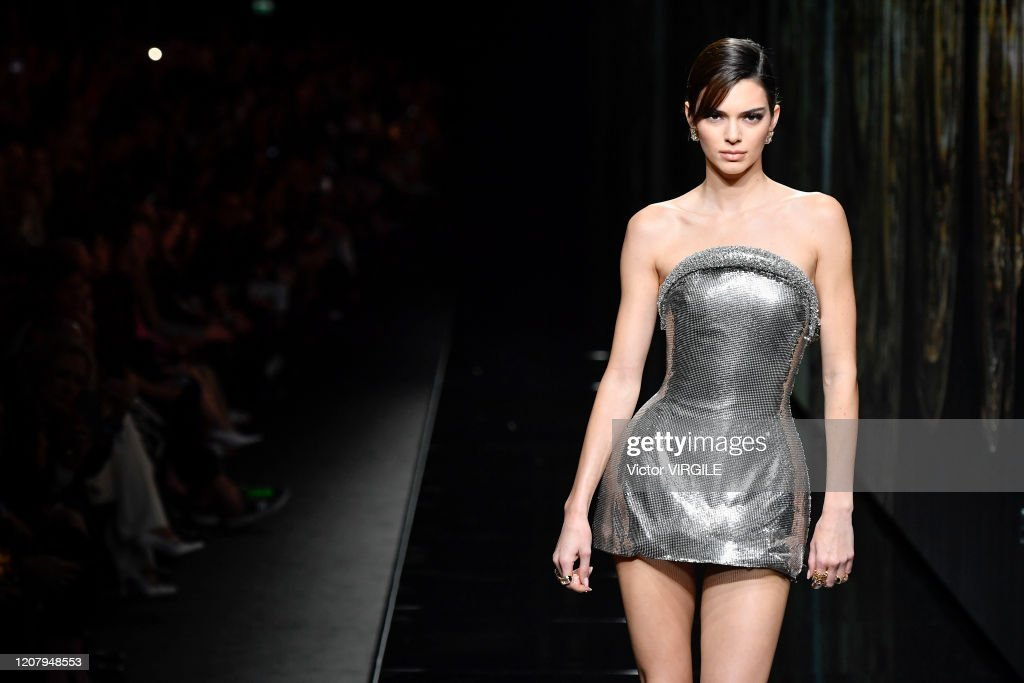 Versace - Runway - Milan Fashion Week Fall/Winter 2020-2021 : News Photo