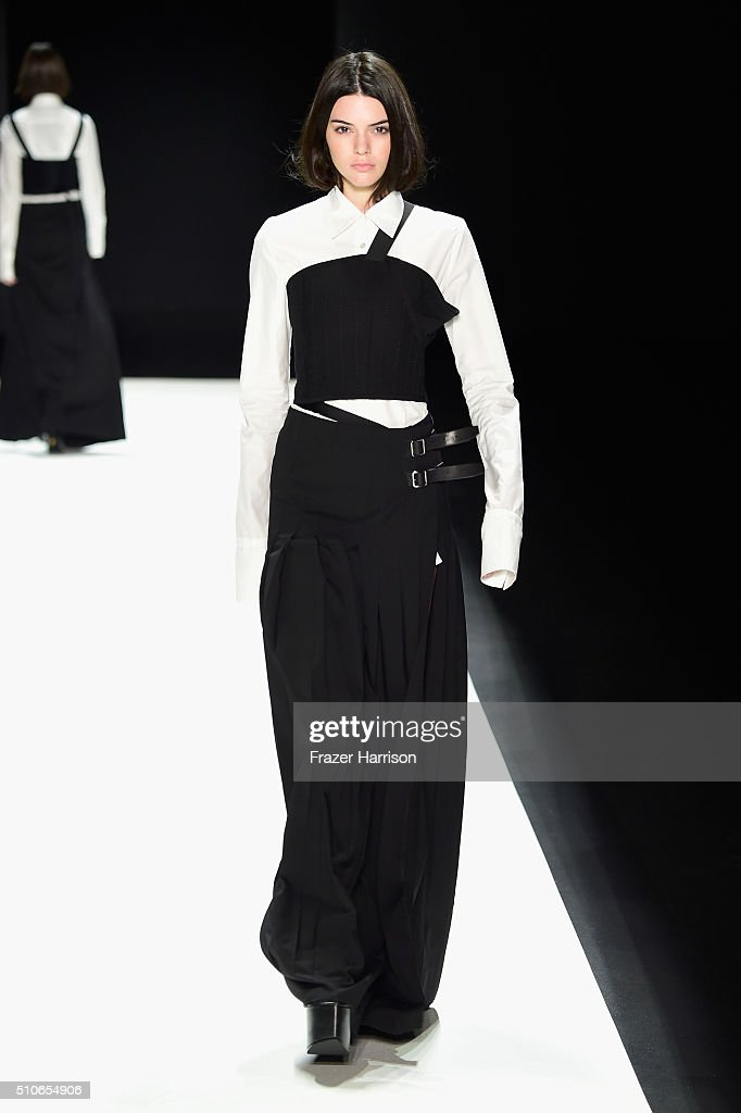 Vera Wang Collection - Runway - Fall 2016 New York Fashion Week: The Shows