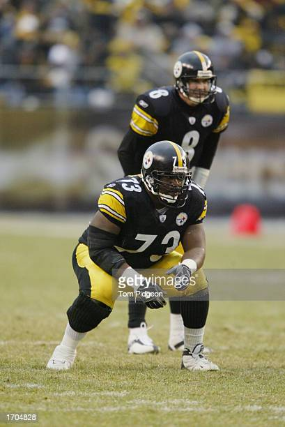 Kendall Simmons of the Pittsburgh Steelers prepares to block for Tommy Maddox during a game against the Houston Texans on December 8, 2002 at Heinz...