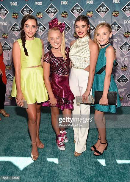 Kendall Vertes JoJo Siwa Kalani Hilliker and Brynn Ashley Romfallo of Dance Moms attend Teen Choice Awards 2016 at The Forum on July 31 2016 in...