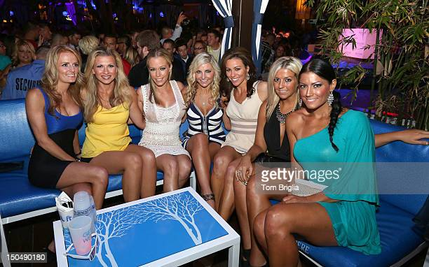 Kendra poses with her friends LR Angela PerfettoValerie Burns Susan Celek Julie Dorenbos Kendra Wilkinson Bethany Coffee and Amber Bocco while...