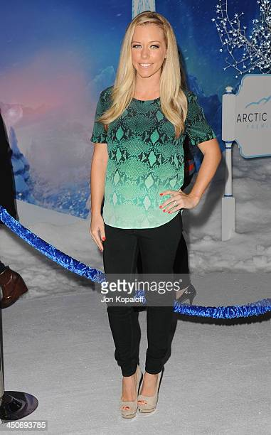 Kendra Wilkinson arrives at the Los Angeles Premiere 'Frozen' at the El Capitan Theatre on November 19 2013 in Hollywood California