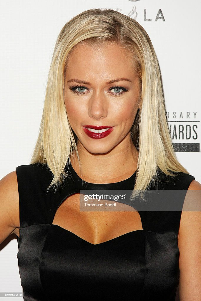 Kendra Wilkinson attends the Rolling Stone after party for the 2012 American Music Awards presented by Nokia and Rdio held at the Rolling Stone Restaurant And Lounge on November 18, 2012 in Los Angeles, California.
