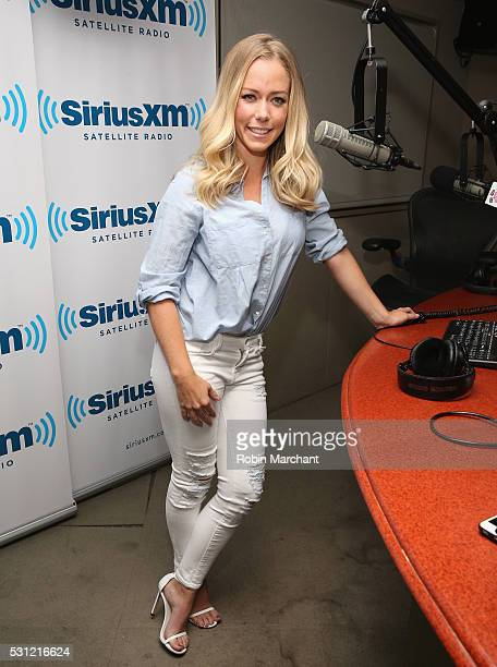 Kendra Wilkinson visits on May 13 2016 in New York New York