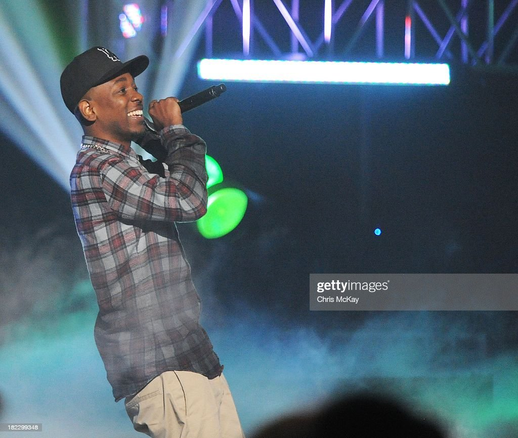 Kendrick Lamar performs during the BET Hip Hop Awards 2013 at the Boisfeuillet Jones Atlanta Civic Center on September 28, 2013 in Atlanta, Georgia.