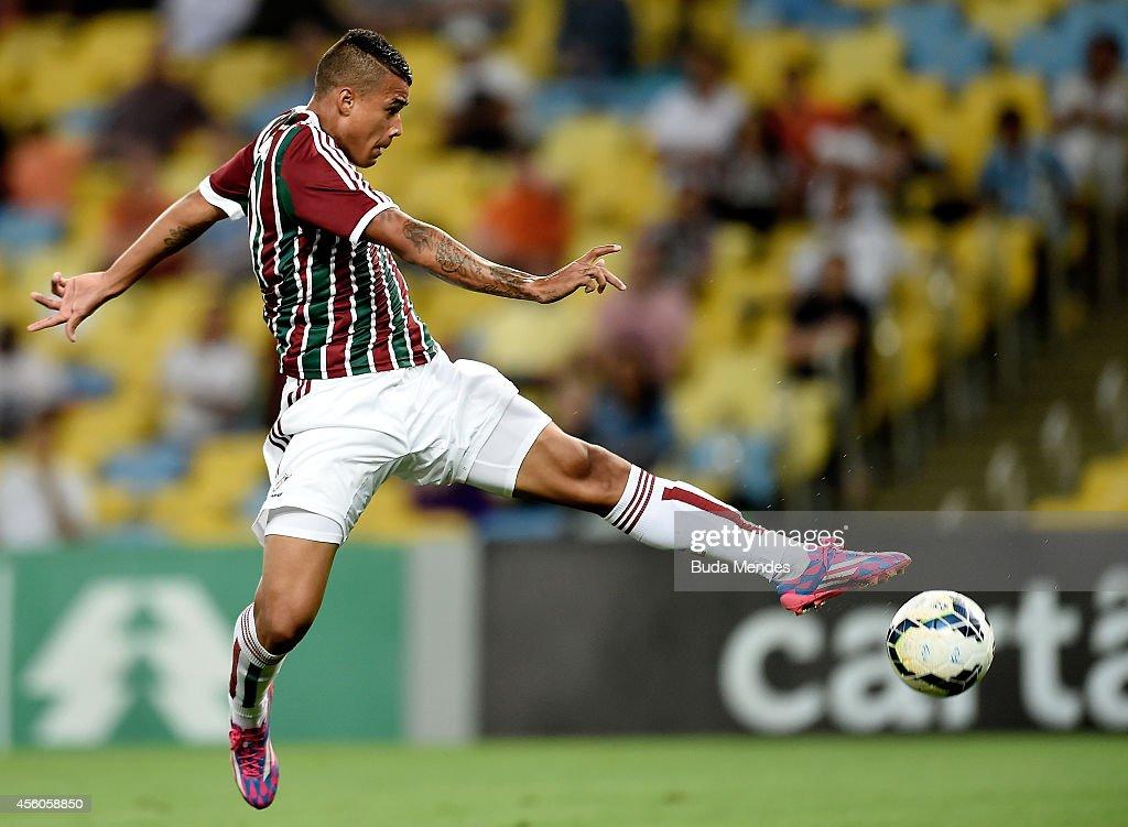 Fluminense v Gremio - Brasileirao Series A 2014 : News Photo