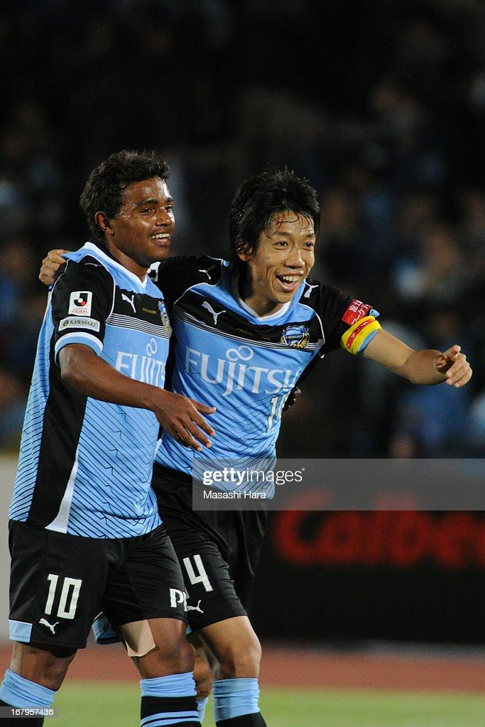 Kawasaki Frontale v Nagoya Grampus - J.League 2013
