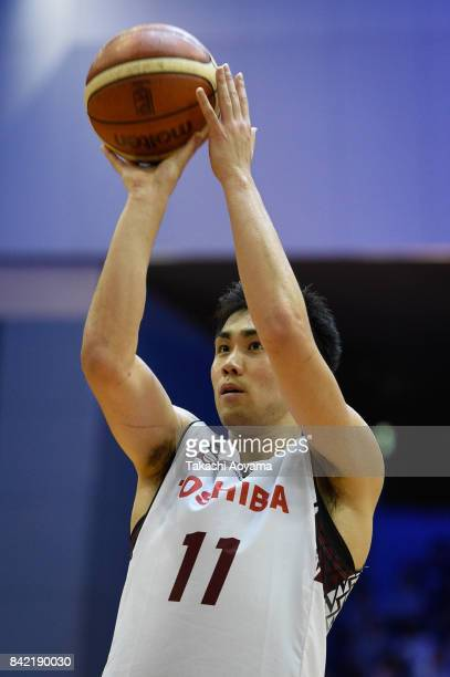 Kengo Nomoto of the Kawasaki Brave Thunders shoots a free throw during the BLeague Kanto Early Cup 3rd place match between Kawasaki Brave Thunders...