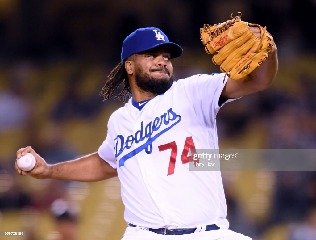 Kenley Jansen #74 of the Los Angeles Dodgers pitches during the ninth inning against the Arizona Diamondbacks at Dodger Stadium on May 9, 2018 in Los Angeles, California.