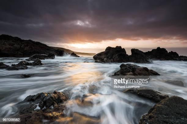 kennack sunrise - islas de gran bretaña fotografías e imágenes de stock