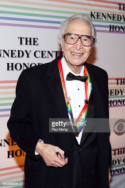 Kennedy Center honoree Dave Brubeck arrives at the 32nd Kennedy Center Honors at Kennedy Center Hall of States on December 6 2009 in Washington DC