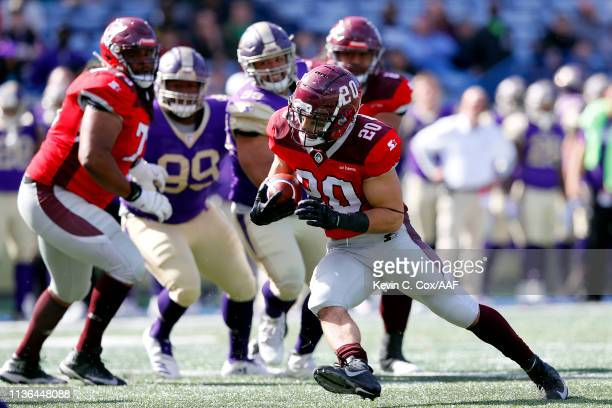 Kenneth Farrow, II of the San Antonio Commanders runs the ball for a touchdown against the Atlanta Legends during the first half in the Alliance of...