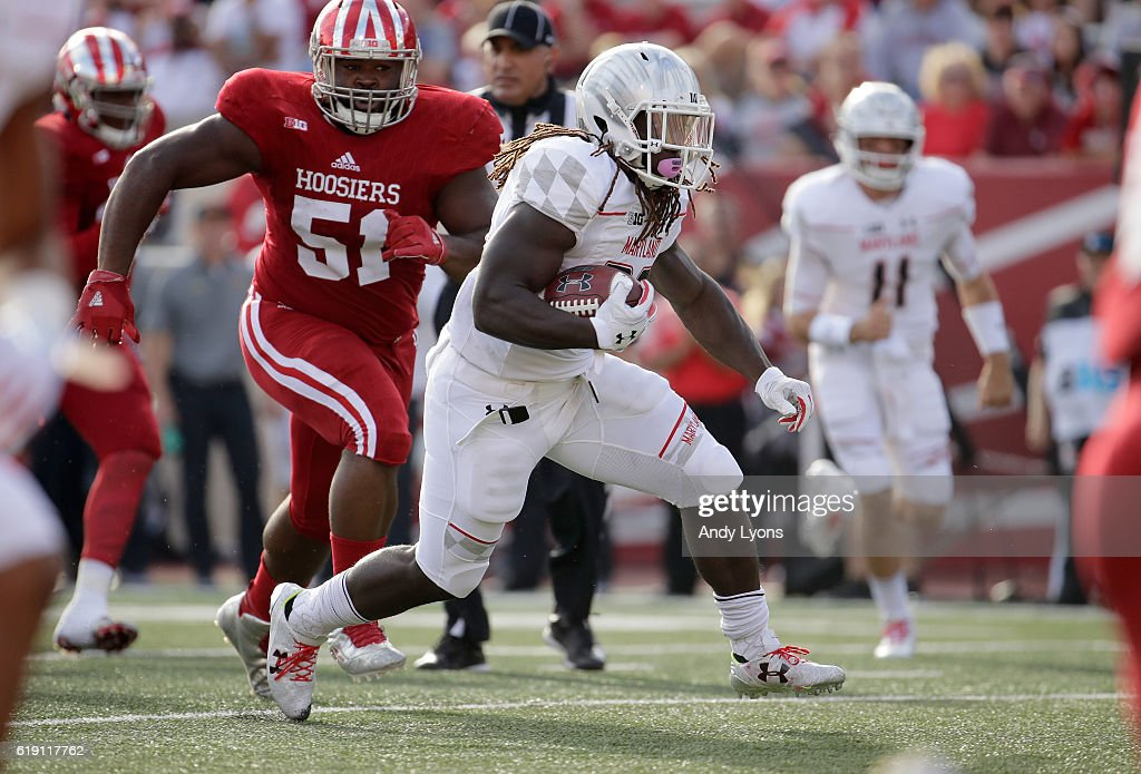 Kenneth Goins Jr #30 of the Maryland Terrapins runs with the ball in the game against the Indiana Hoosiers at Memorial Stadium on October 29, 2016 in Bloomington, Indiana.