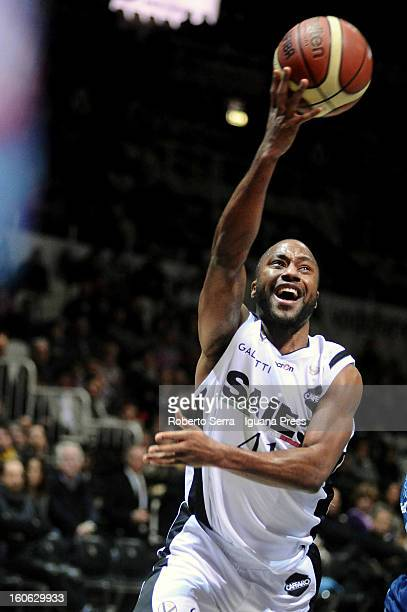 Kenneth Hasbrouck of SAIE3 in action during the LegaBasket Serie A match between Virtus Bologna SAIE3 and Sutor Montegranaro at Unipol Arena on...