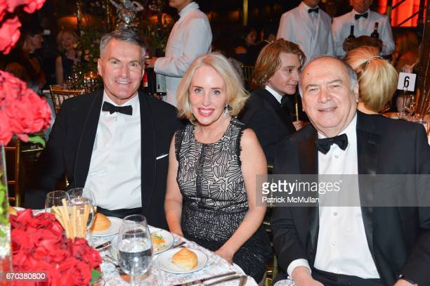 Kenneth Koen Amy Hoadley and Martin Shafiroff attend LHNH honours Geoffrey Bradfield and John Manice at Cipriani 42nd Street on April 18 2017 in New...