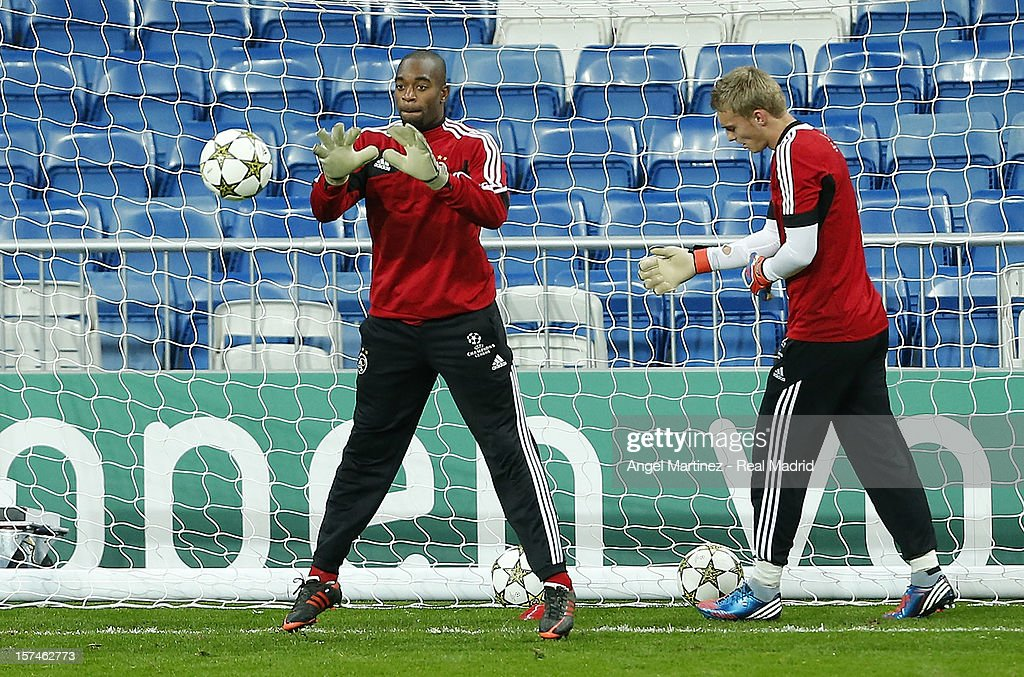 Kenneth Vermeer (L) of AFC Ajax in action during a training session ahead of their UEFA Champions League group stage match against Real Madrid at Estadio Santiago Bernabeu on December 3, 2012 in Madrid, Spain.