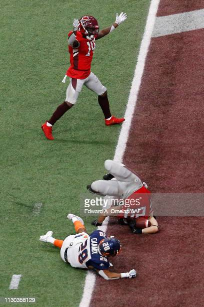 KennethFarrow II of the San Antonio Commanders scores a 15yard rushing touchdown during the first quarter against the Orlando Apollos in an Alliance...