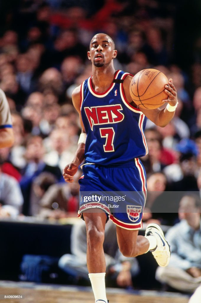 f54d6e91b380 Kenny Anderson of the New Jersey Nets dribbles at Madison Square ...