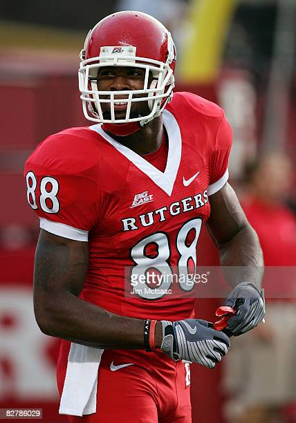 Kenny Britt of the Rutgers Scarlet Knights warms up before playing the North Carolina Tar Heels at Rutgers Stadium on September 11, 2008 in...