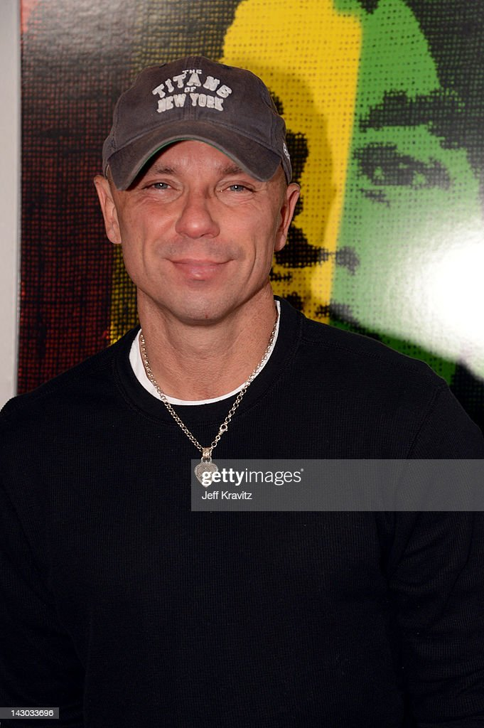 304286704a930 Kenny Chesney attends the Los Angeles premiere of  Marley  at ...