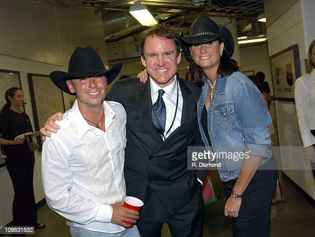 Kenny Chesney Brian Philips GM CMT and Terri Clark