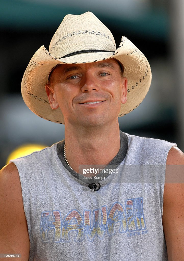 "Kenny Chesney Performs On ""Good Morning America"" - June 9, 2006"