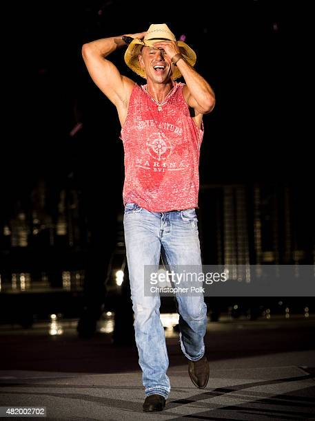 Kenny Chesney performs during Kenny Chesney's The Big Revival Tour Jason Aldean's Burn It Down 2015 at Rose Bowl on July 25 2015 in Pasadena...
