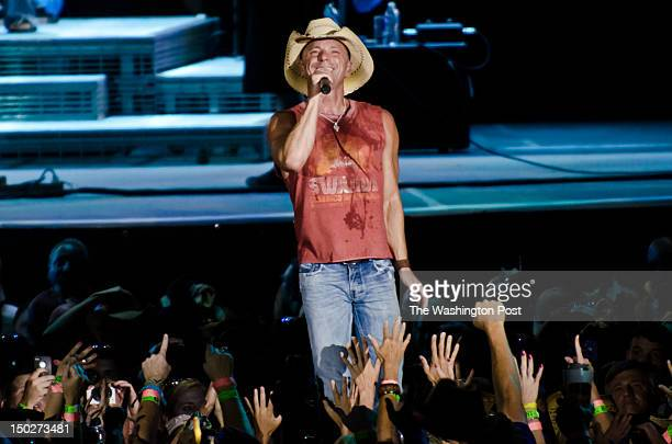 Kenny Chesney performs on stage at FedEx Field as part of the Brothers of the Sun 2012 tour