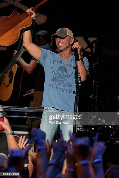 Kenny Chesney surprises fans with an intimate concert as part of CMT's Instant Jam Kenny Chesney at The Georgia Theatre on August 29 2014 in Athens...