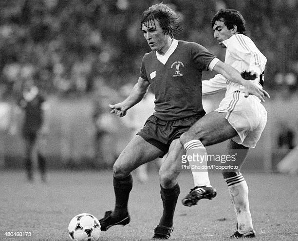 Kenny Dalglish in action for Liverpool during the European Cup Final between Real Madrid and Liverpool at the Parc des Princes in Paris 27th May 1981...