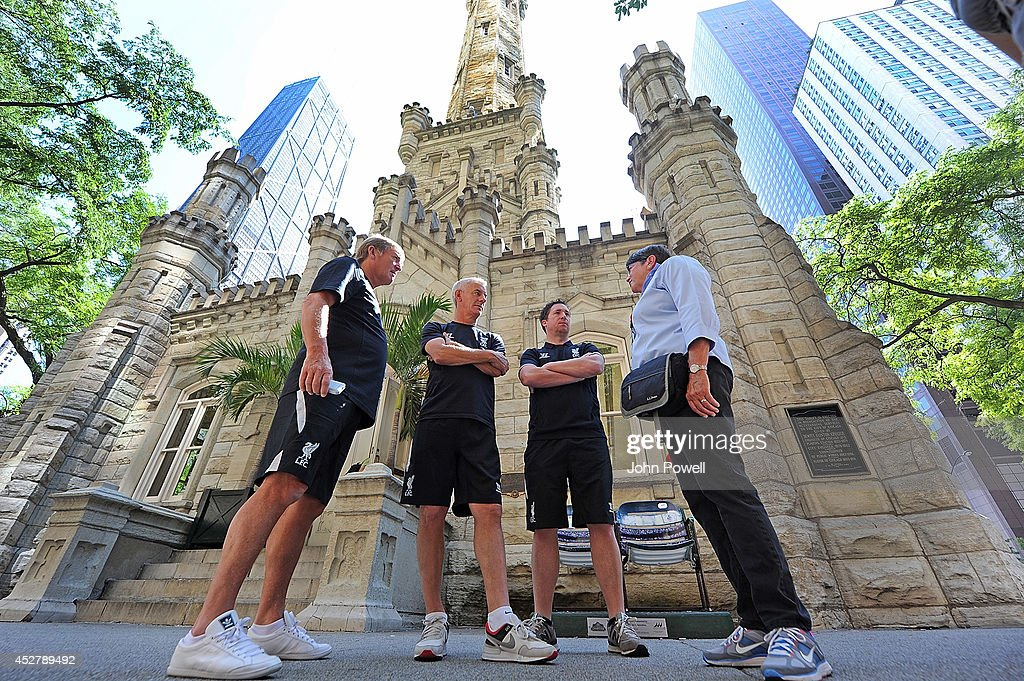 Liverpool FC Legends Visits Chicago Water Tower