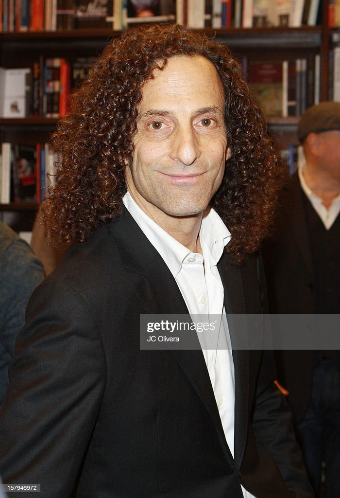 Kenny G attends a live Interactive reading event of 'ELFBOT' inside Barnes & Noble at The Americana at Brand on December 7, 2012 in Glendale, California.