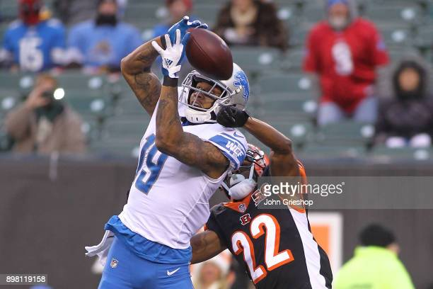 Kenny Golladay of the Detroit Lions goes up for a pass defended by William Jackson of the Cincinnati Bengals during the second half at Paul Brown...