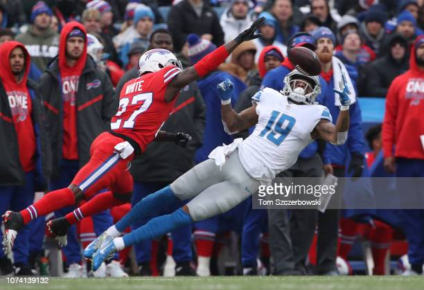 Kenny Golladay of the Detroit Lions hauls in a pass for a catch in the second quarter during NFL game action as TreDavious White of the Buffalo Bills...