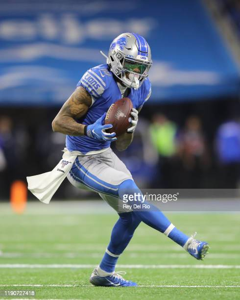 Kenny Golladay of the Detroit Lions makes a catch in the first quarter of the game against the Green Bay Packers at Ford Field on December 29 2019 in...
