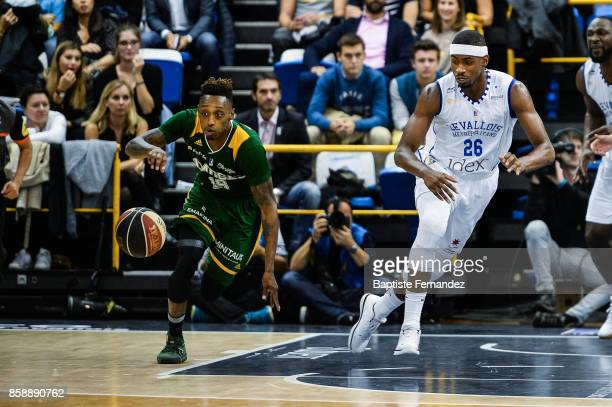 Kenny Hayes of Limoges and Cyrille Eliezer Vanerot of Levallois during the Pro A match between Levallois and Limoges on October 7 2017 in...