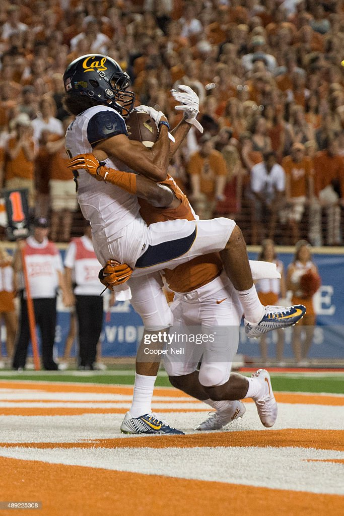 Kenny Lawler #4 of the California Golden Bears catches a 4 yard touchdown pass against the Texas Longhorns during the third quarter on September 19, 2015 at Darrell K Royal-Texas Memorial Stadium in Austin, Texas.