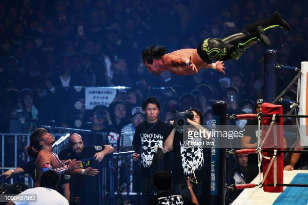 Kenny Omega and Hiroshi Tanahashi compete in the IWGP Heavyweight Championship bout during Wrestle Kingdom 13 of New Japan ProWrestling at Tokyo Dome...