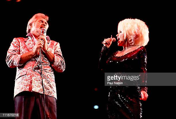 Kenny Rogers and Dolly Parton on 3/30/86 in Chicago Il