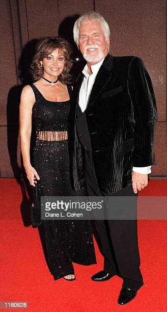 Kenny Rogers and his wife arrive for the Michael Jackson concert September 7 2001 at Madison Square Garden in New York City