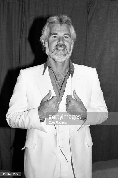 Kenny Rogers backstage at the Meadowlands in East Rutherford, New Jersey on August 19, 1982.