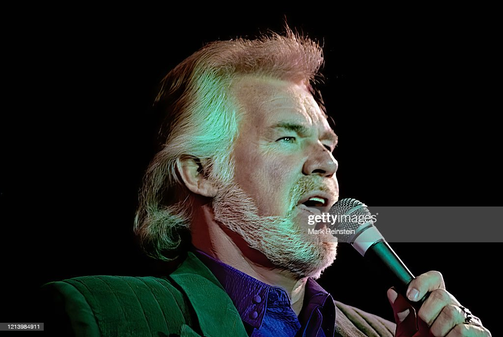 Kenny Rogers Live at VOA 50th Anniversary : News Photo