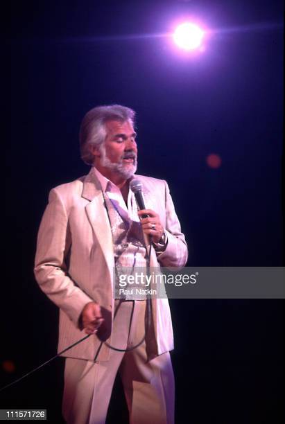 Kenny Rogers on 5/19/84 in Chicago Il