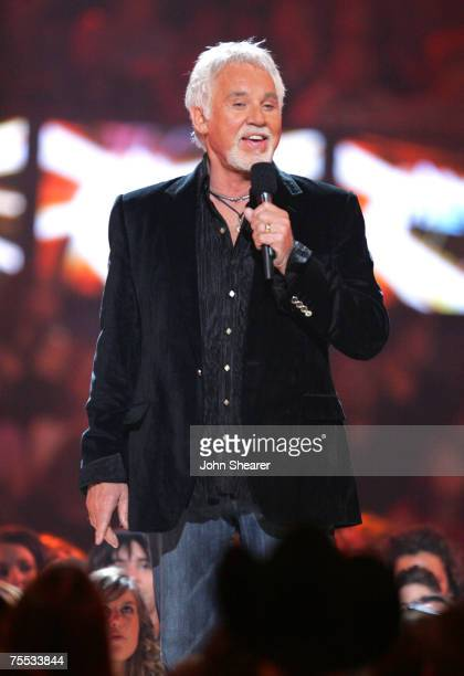 Kenny Rogers, presenter Video of the Year at the Curb Event Center at Belmont University in Nashville, Tennessee
