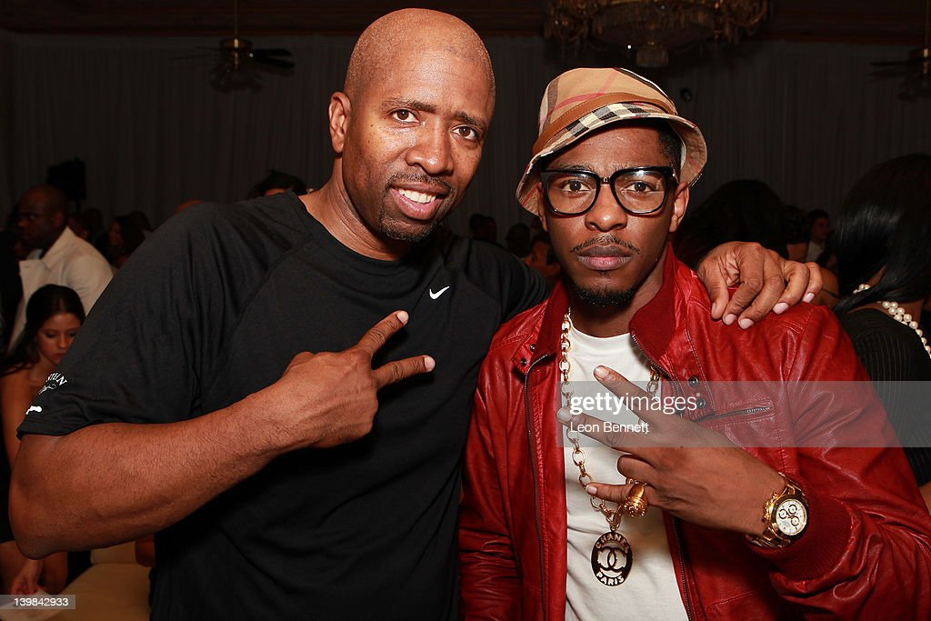 Kenny Smith (L) and Los attends 10th Annual Kenny The Jet Smith NBA All-Star Bash, hosted by Mary J. Blige on February 24, 2012 in Orlando, Florida.