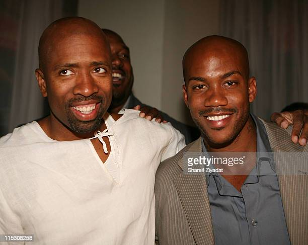 Kenny Smith and Stephon Marbury during Stephon Marbury InStore Appearance For His Starbury Clothing Line VIP Room at Steve and Barry in New York City...