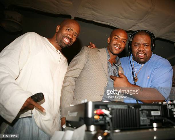 Kenny Smith Stephon Marbury and Biz Markie during Stephon Marbury InStore Appearance For His Starbury Clothing Line VIP Room at Steve and Barry in...