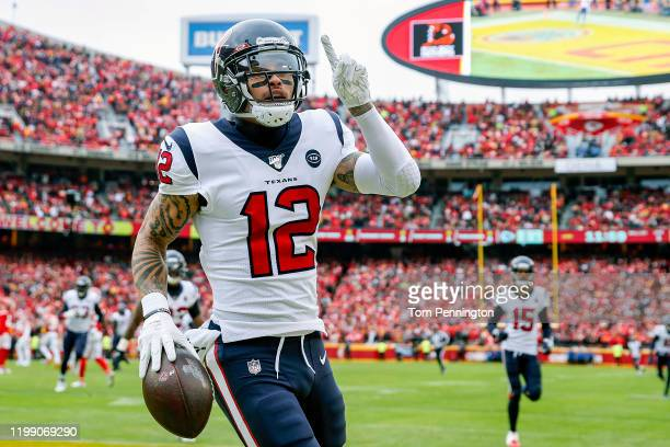 Kenny Stills of the Houston Texans celebrates his 54yard touchdown reception during the first quarter against the Kansas City Chiefs in the AFC...
